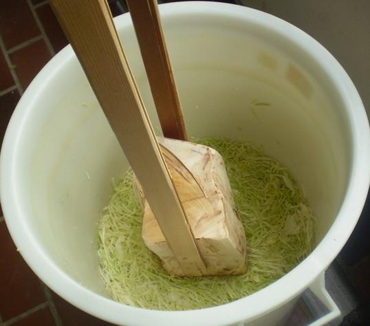 sauerkraut in a crock